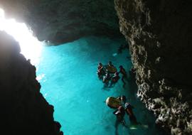 青の洞窟感動スノーケリングツアー